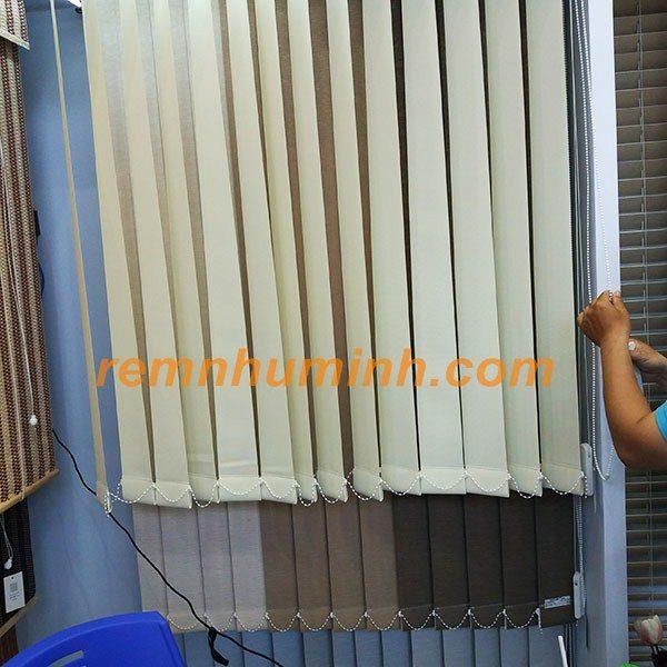 Mành lá dọc tại Đà nẵng Hội an - Rèm lá dọc màu trắng kem