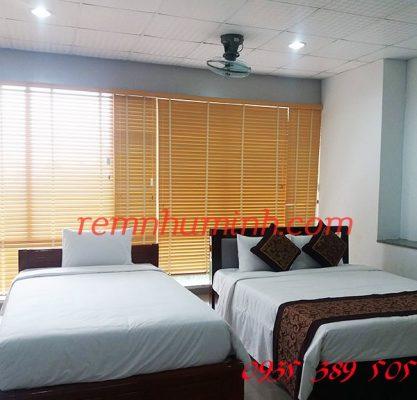 Rèm gỗ cửa sổ Đà Nẵng - Rèm gỗ màu vàng sang trọng tại Đà Nẵng