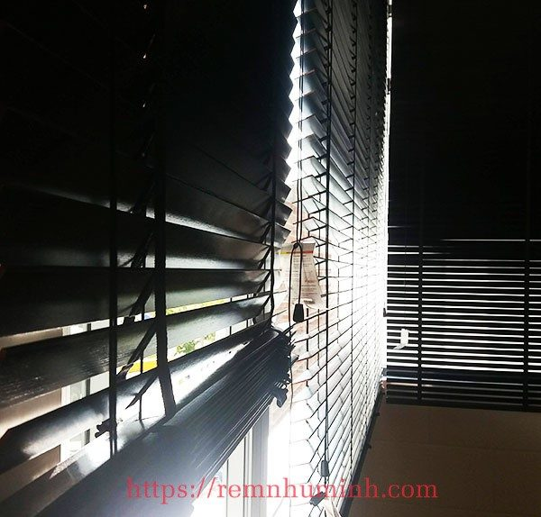 Rèm gỗ màu đen tại Đà Nẵng